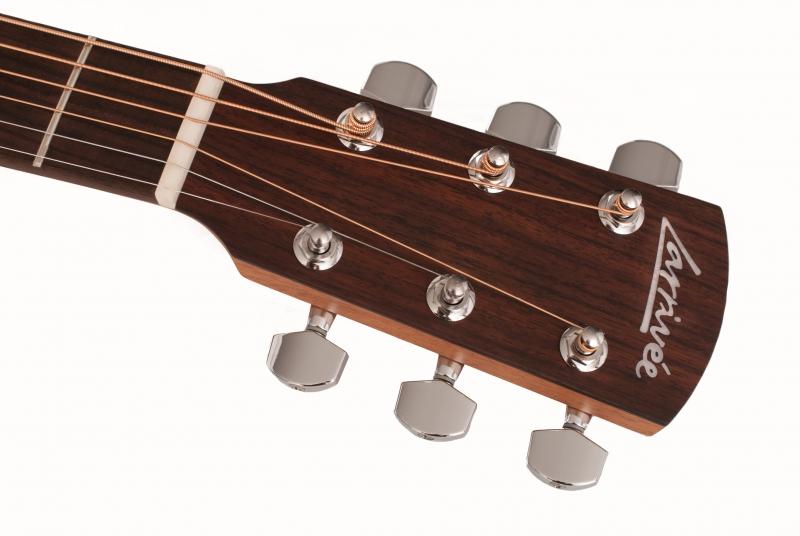 Larrivee OM-02吉他